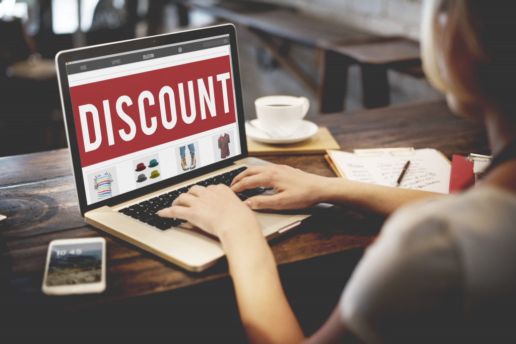discount on online store