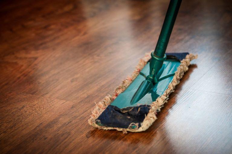 cleaning floor mop